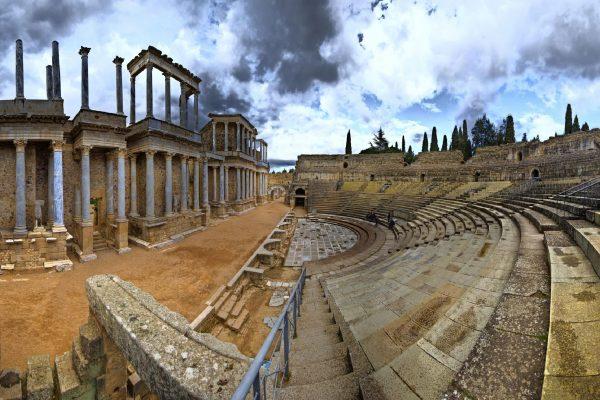 Extremadura´s secrets, teatro romano, routes